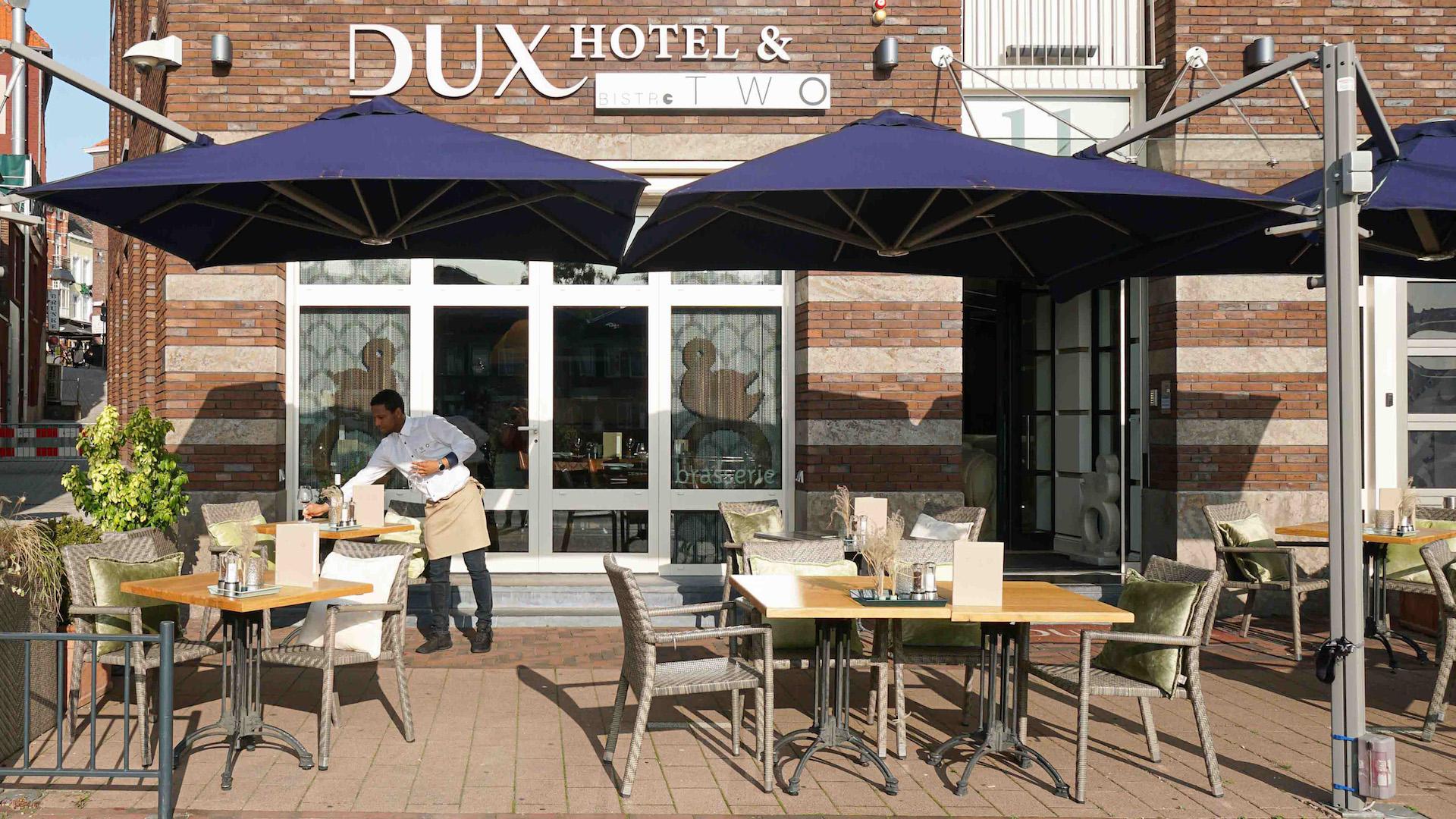 Bistro-TWO-restaurant-roermond-roerkade-terras